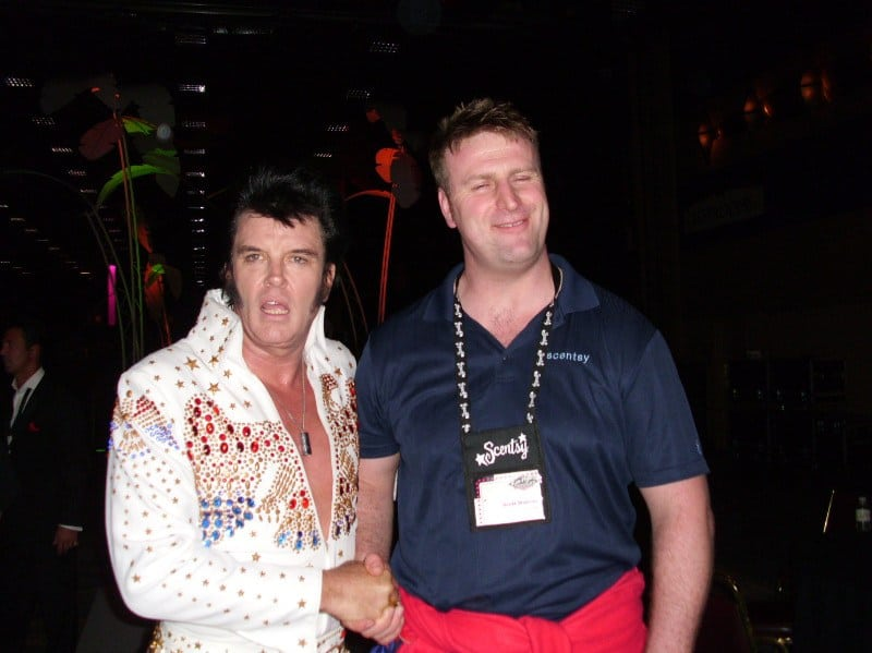 Scott Wickfree Meets Elvis in Las Vegas